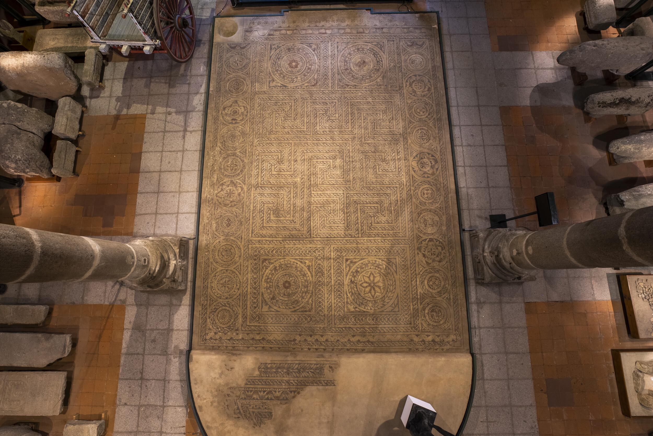 MOSAICOLa Torre vieja, Magazos, Ávila Roma. Siglo IV d.C.[68/20/2] Almacén Visitable de Santo Tomé